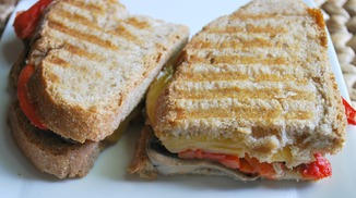 Roasted Red Pepper, Portabella &amp; Smoked Gouda Grilled Cheese