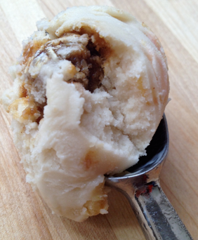 Peaches &#x27;n Caramel Oat Streusel Ice Cream
