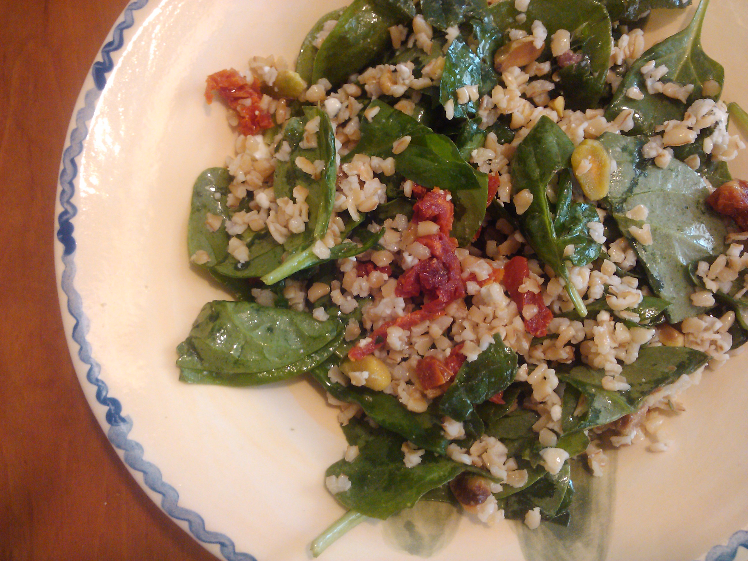 No-Cook Spinach-Bulgar Salad with Sun-Dried Tomatoes & Blue Cheese