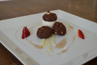 Double Chocolate Ice Cream Sandwich, Strawberry, White chocolate Ganaches