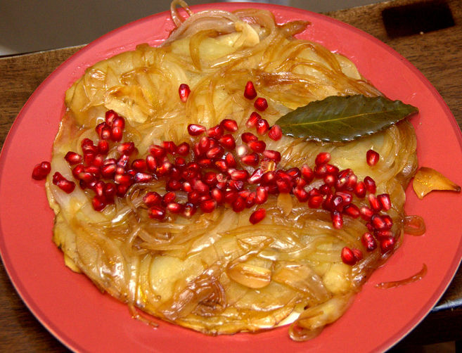 Skillet Potatoes with Pomegranate and Onions