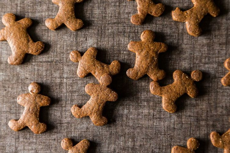 Stress Free Vegan Holiday Gingerbread Cookies