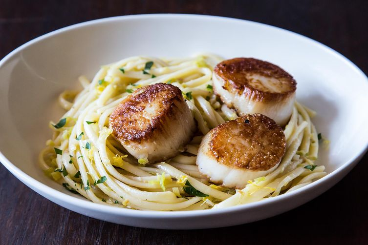 pasta with leeks and scallops