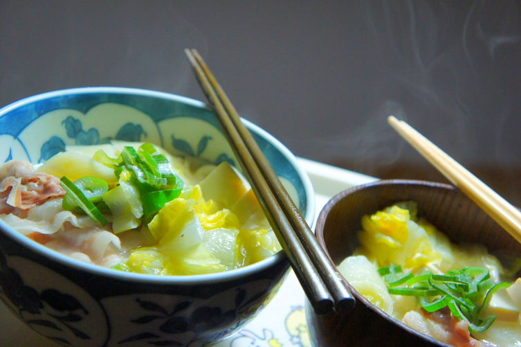 Chicken stock soy milk soup with Noodles