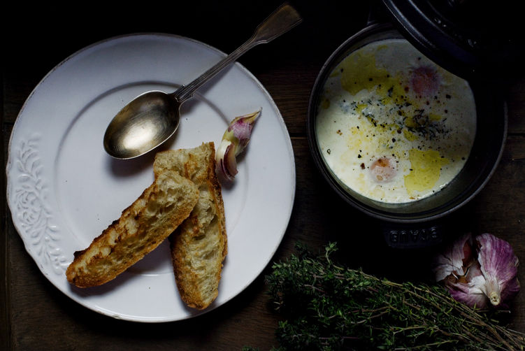 Eggs en Cocotte with Cream, Garlic &amp; Thyme