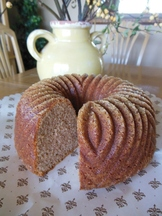 Crunchy Cinnamon Bundt Cake