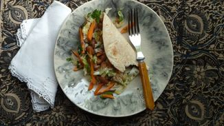 Bean_tacos_with_cabbage_and_carrot