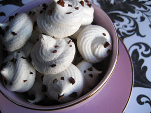 Chocolate Chai Meringues