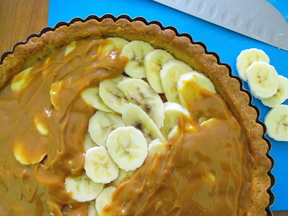 banana&caramel tart with coconut whipped cream