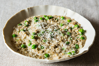 Peas Porridge Hot (Oat Risotto with Peas)