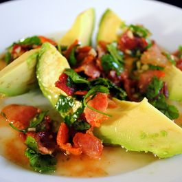 Avocado_with_warm_bacon_dressing