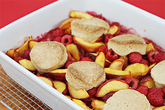 Img_9813_peach-raspberry_cobbler_with_cointreau_chantilly