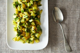 2013-0709_plum-avocado-salad-007