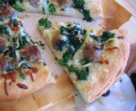Sausage_rabe_pizza_slice