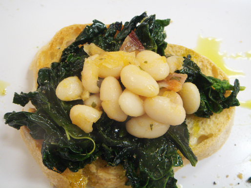 Crostini_broccoli_rabe_and_beans