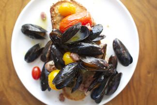 Roasted_mussels_f52