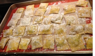 Homemade_ravioli_with_ricotta_cheese_and_spinach_filling