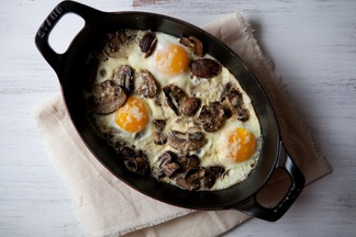 Baked_eggs_mushrooms_2