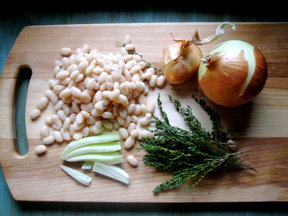 White Bean Soup with Thyme