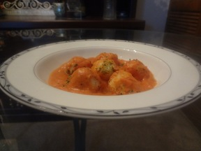Potato_gnocchi_with_tomato_cream_sauce1