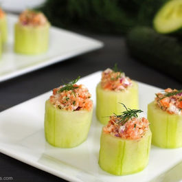 Cucumber_cups_with_smoked_salmon_salad1