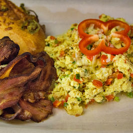 Scrambled_eggs_and_bacon-500x500_edited-1