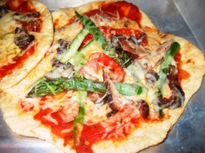 Grilled Chicken Pizza with Smoky Balsamic Sauce