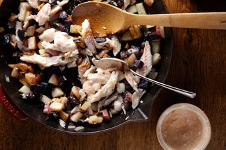 Skillet_potatoes_and_fish_1