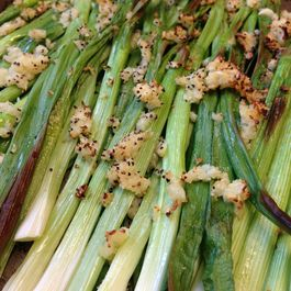 Roasted_scallions_and_garlic