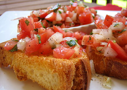 Garlic lovers' bruschetta