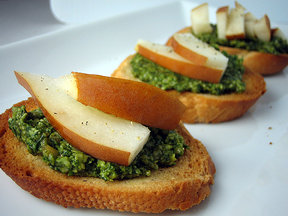 Pear and pesto crostini