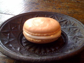 Almond-Halvah Macaroons