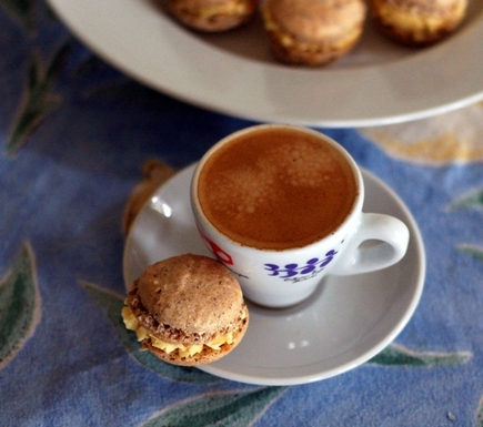 Vanilla_bean_passion-fruit-macarons-0110