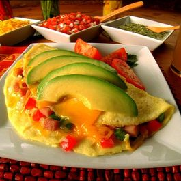 Ham_and_avocado_omelet_2_