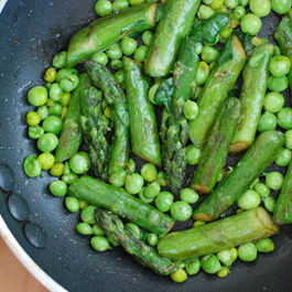 Asparagus_and_peas_1