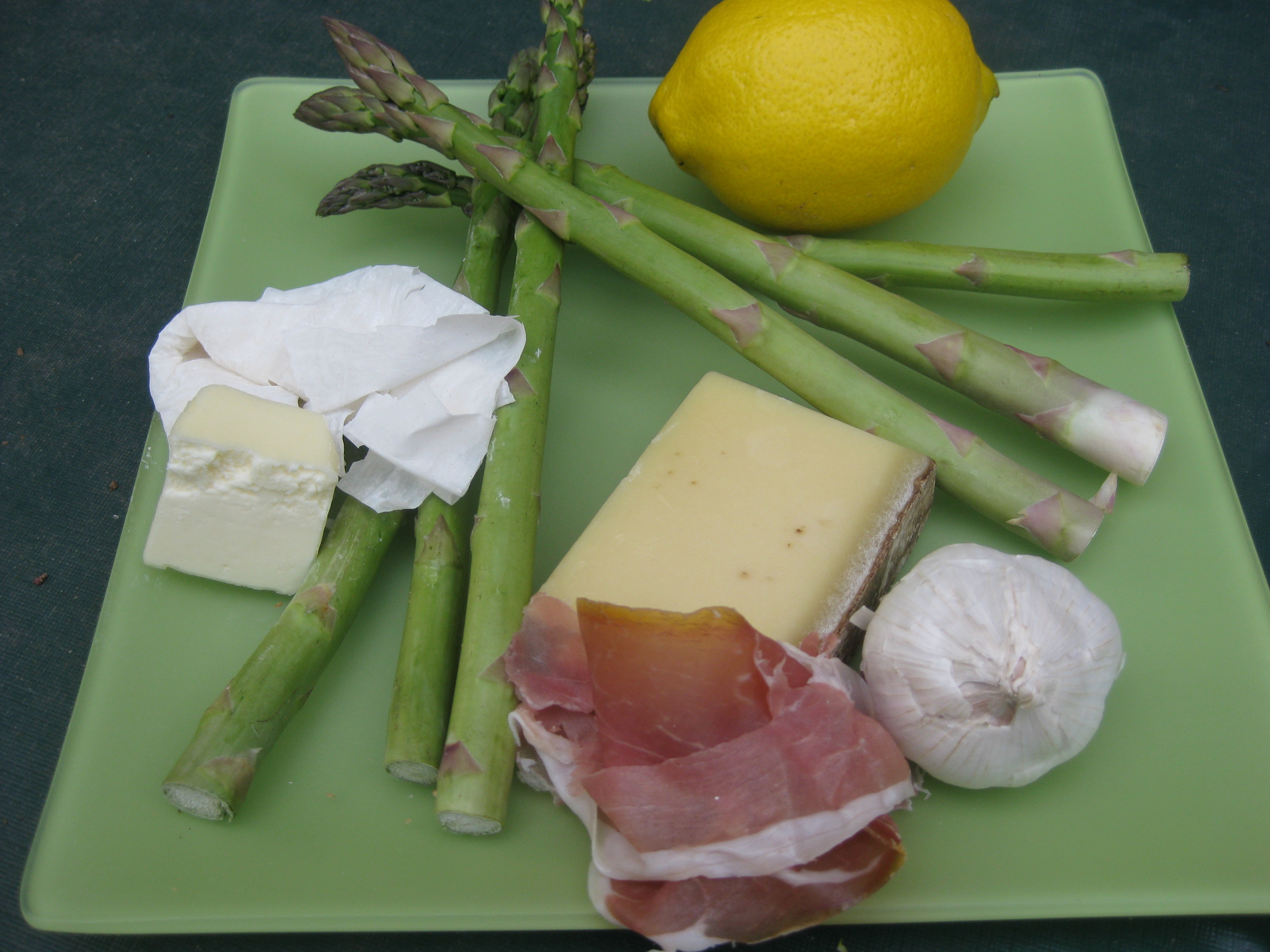Asparagus wrapped in phyllo and prosciutto
