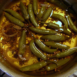 Pickled_green_chiles_2