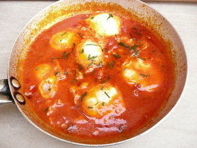 Tuscan Tomato Poached Eggs