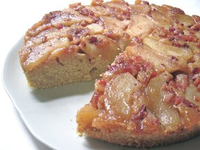Apple_candied_bacon_upside_down_cake