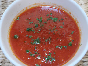 Tomato_soup_with_paprika