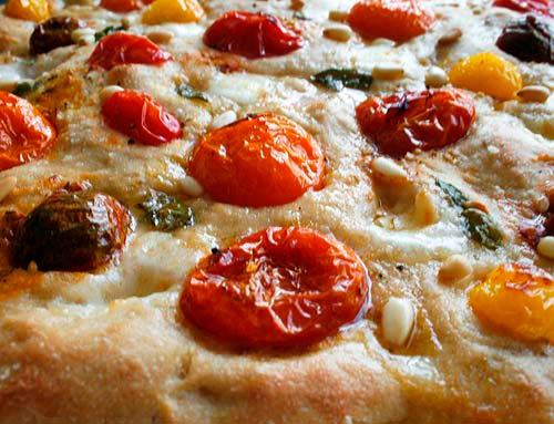 Heirloom_tomato_focaccia
