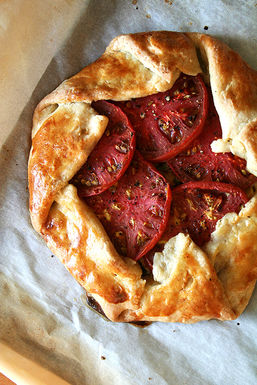 Tomato_and_gruy%c3%a8re_cheese_galette