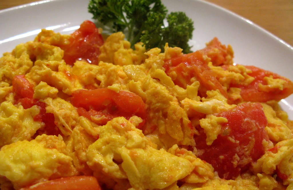 Scrambled Eggs with Tomatoes.