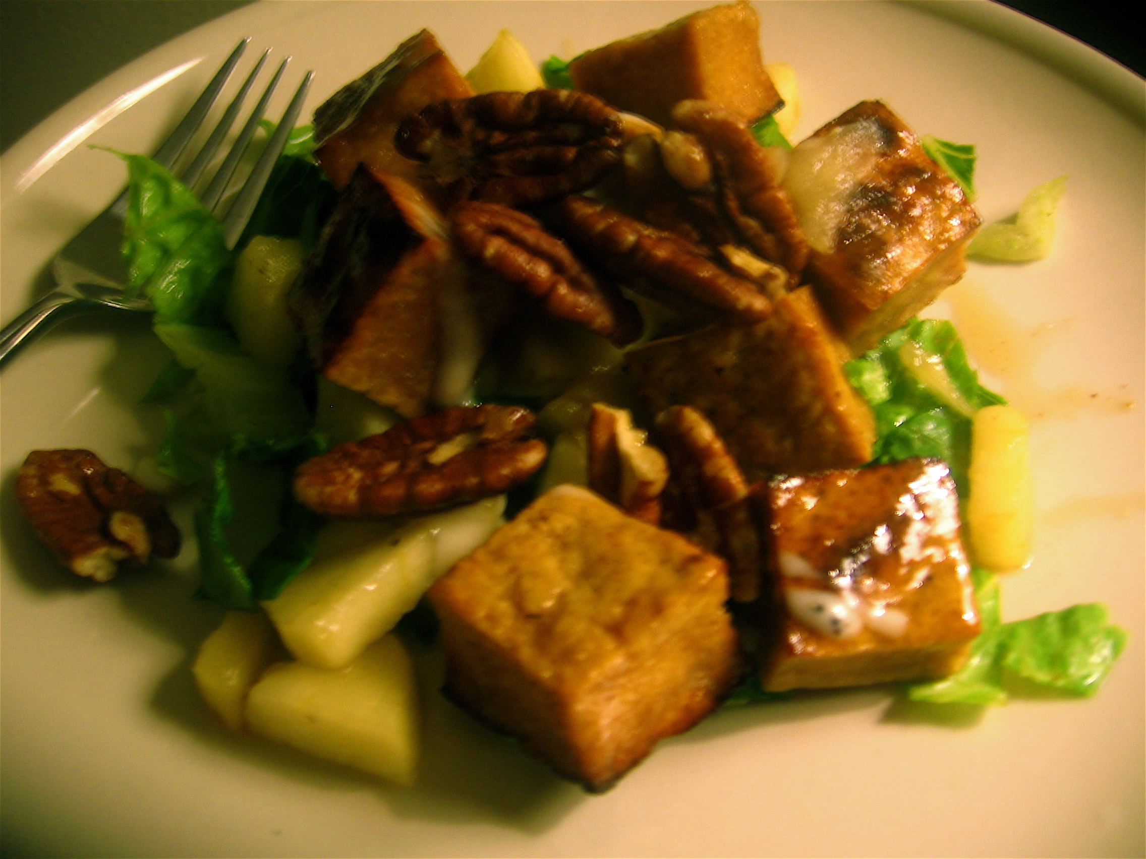 Caramelized Tofu and Gala Apple Salad