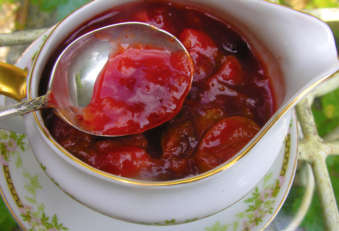 Spicy sweet and sour plum sauce