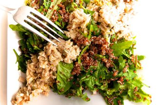 Meditarranean Tuna Salad with Red Quinoa & Mesclun