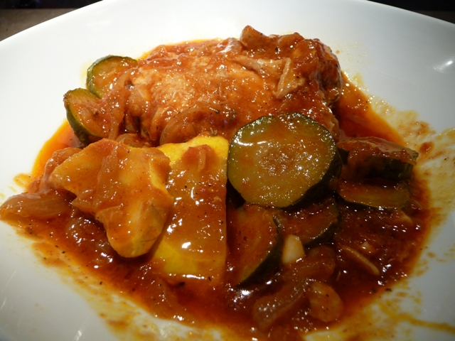 Chicken and zucchini in paprika and tomato sauce