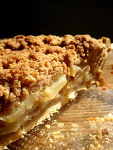 Pear Crumble Pie
