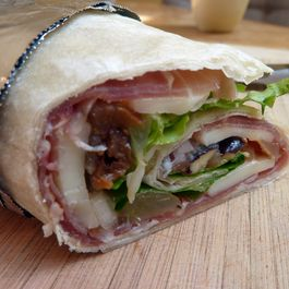 Speck_wrap_with_fig_grape_and_pear_relish_best