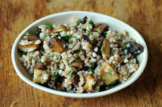 Farro_salad_with_roasted_mushrooms